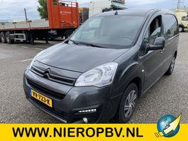 closed lcv Citroen BERLINGO airco navi automaat 2016