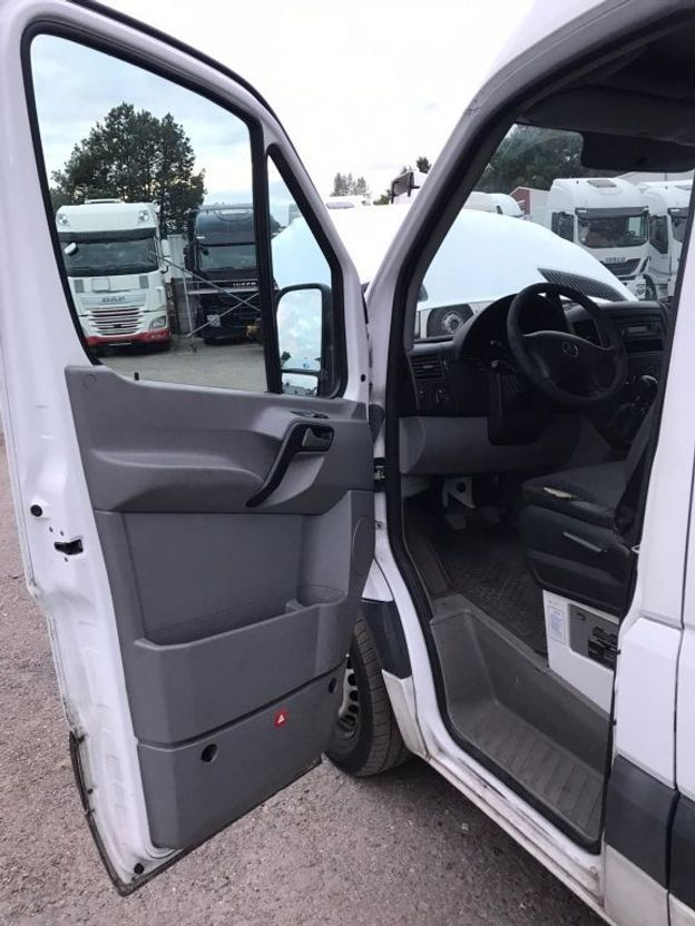 closed box truck > 7.5 t Mercedes Benz Sprinter 316 Kasten mit Aircondition 2010