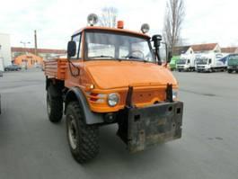 tipper lcv Unimog U 406 mit Winterdienstplatte