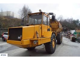 Radkipper-LKW Volvo A20 6x4 Dumpers with good tires and white signs. W 1987