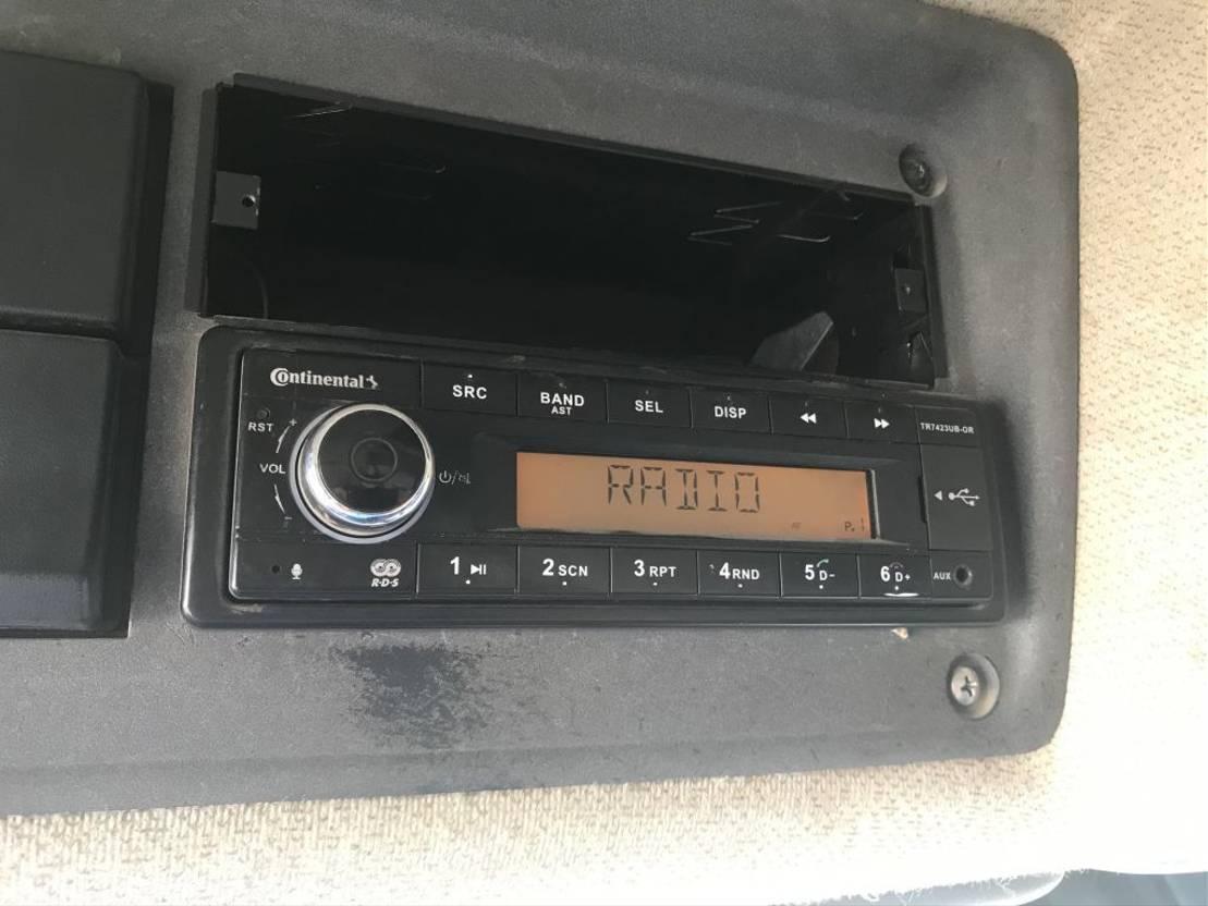 closed box truck > 7.5 t Renault premium 320 met portaalarmsysteem 2006