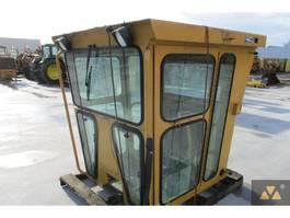 pièce détachée équipement cabine Caterpillar 140H 2006