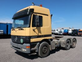 cab over engine Mercedes Benz 2657 LS 6x4 Actros MP1 120 to. AT Motor 100 tkm 2000