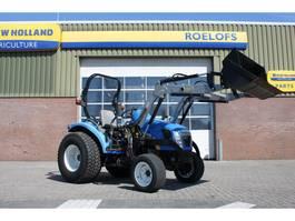 Landwirtschaftlicher Traktor New Holland 3045 2016