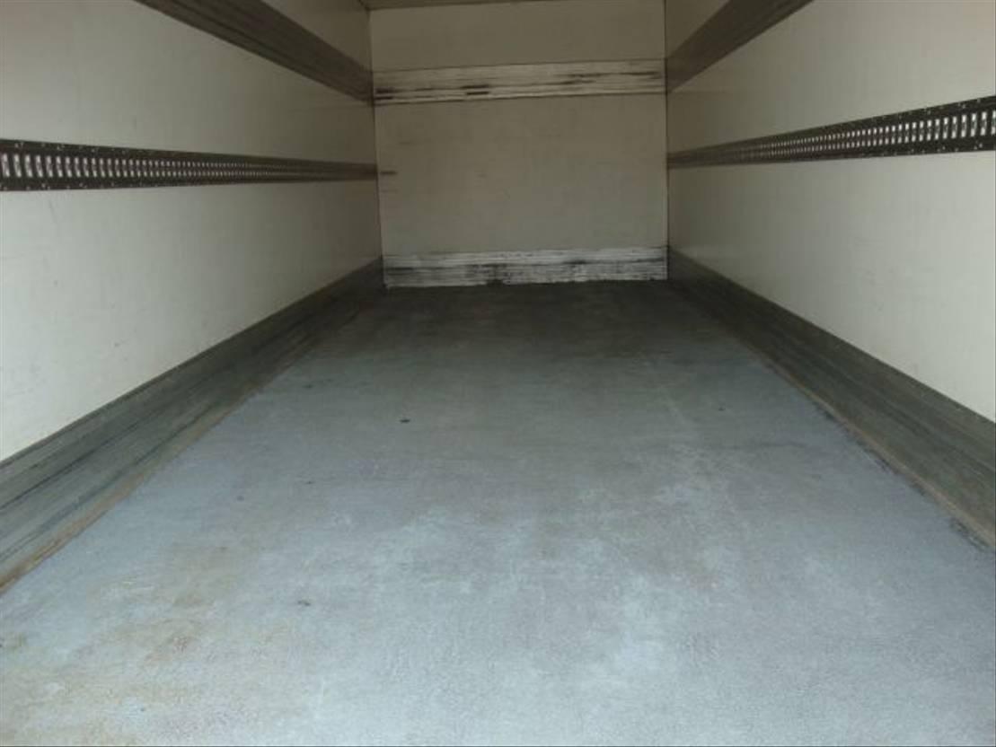 closed box truck > 7.5 t DAF 65CF 220 EEV 2011