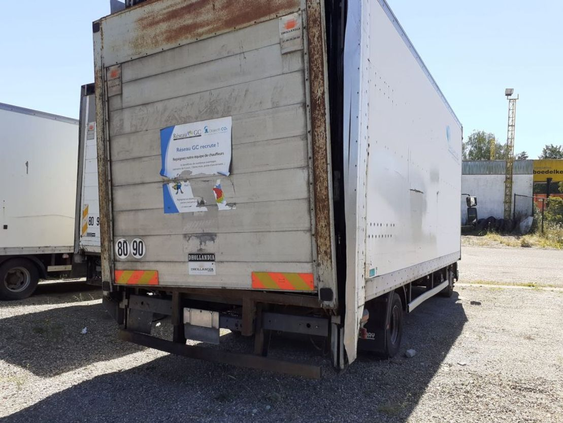 closed box truck > 7.5 t DAF LF45.180 CLOSED BOX + LIFT - AUTO - 2 UNITS AVAILABLE