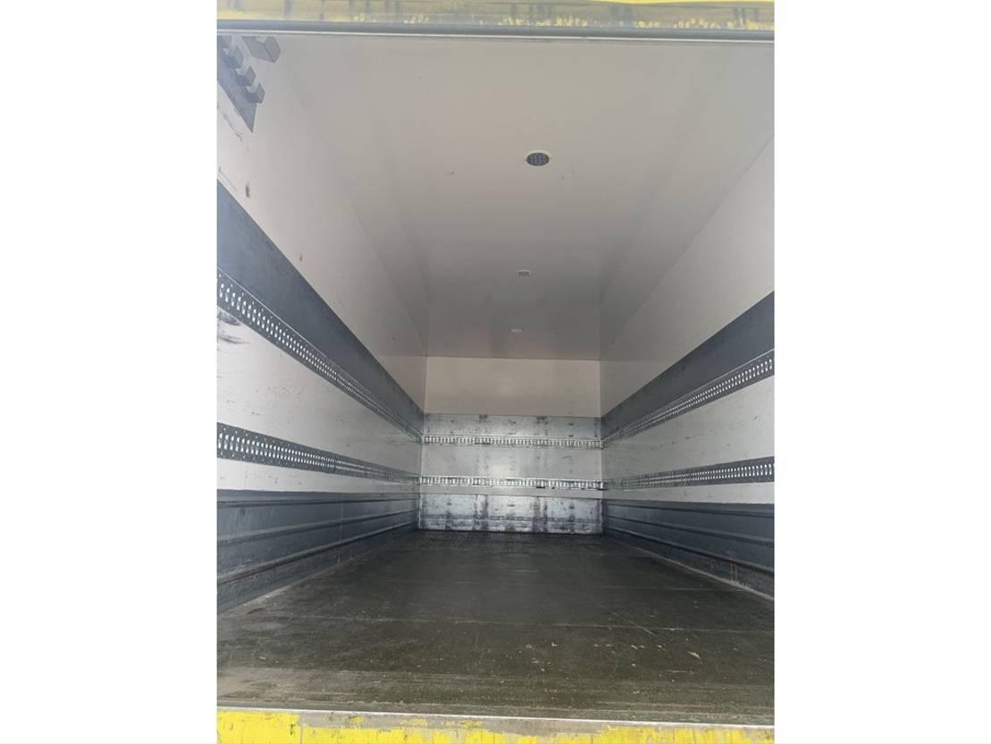 closed box truck > 7.5 t DAF CF 75.310 Closed Box Sleepcab 2011 2011