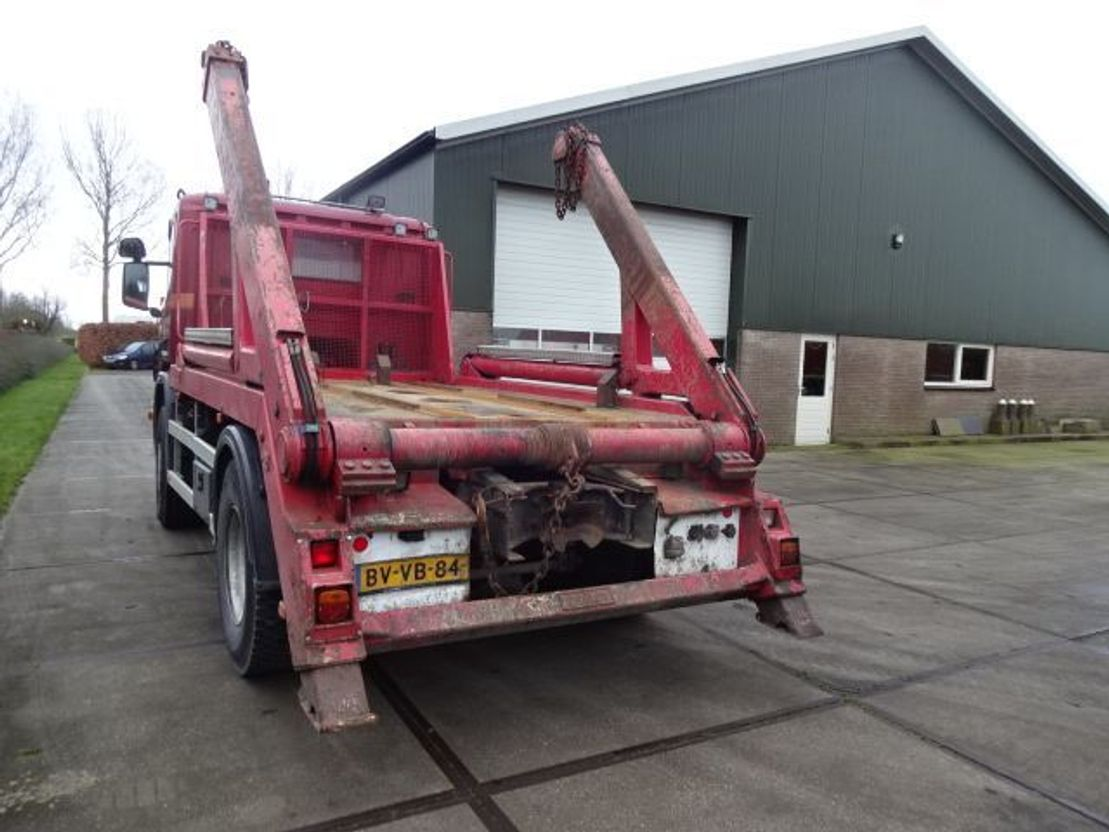 container truck Scania P 380 4X2 Portaal Systeem 2009