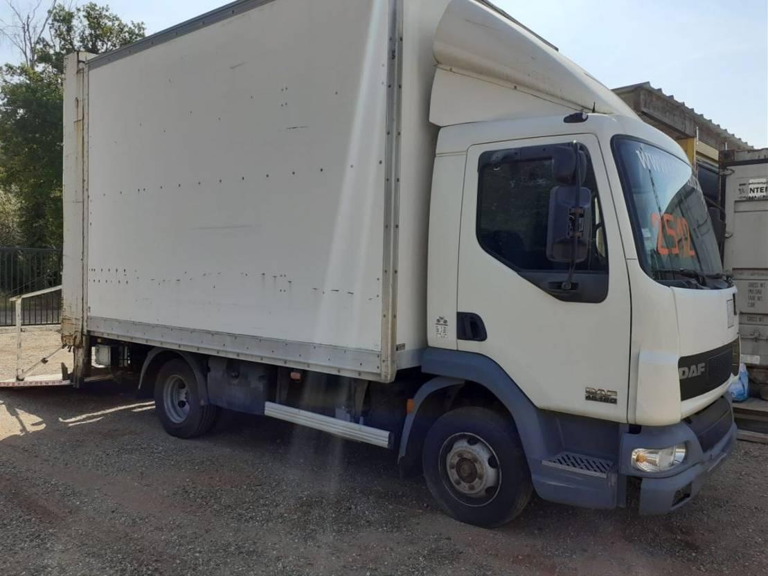 closed box truck > 7.5 t DAF LF 45.180 - CLOSED BOX + LIFT - AUTO - 2 UNITS AVAILABLE