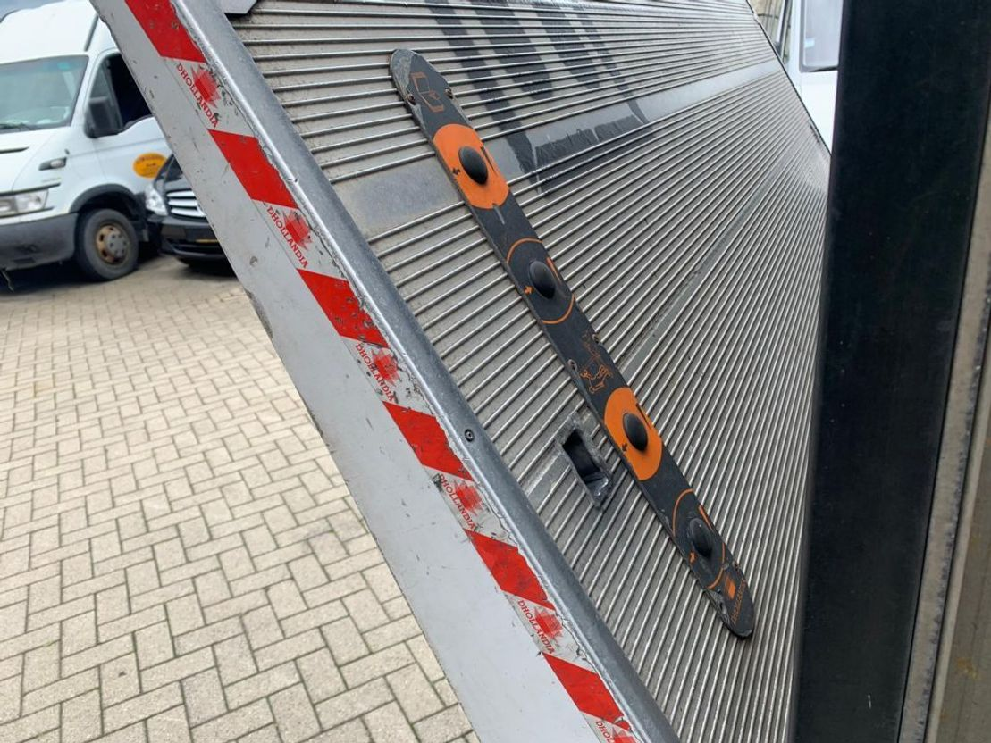 closed box truck > 7.5 t Mercedes Benz ATEGO 816 L bakwagen laadklep 2012