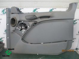 Interior part truck part Mercedes-Benz A 943 720 95 00 deur plaat MP3 Rechts