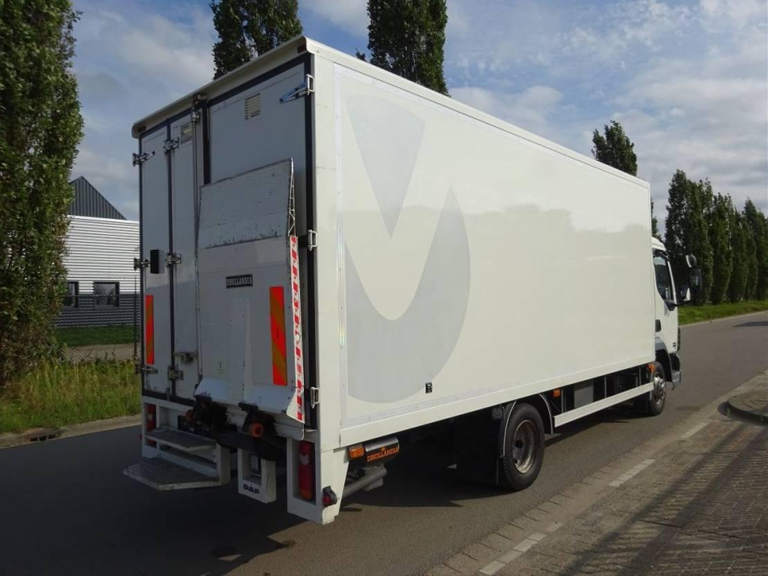 closed box truck > 7.5 t DAF LF 45 150 / LOW KM / KEURING 2021 [ TUV ] / WERKPLAATS !! 2006