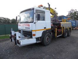 tow-recovery truck Renault R390 6x4 depanneur 1984