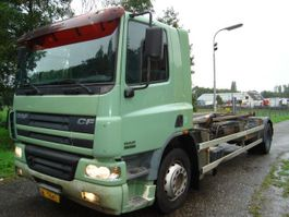 container truck DAF AE75PC/360PK/MANUAL/VDL HAAKARM 2002