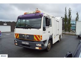 other aerial platform MAN LE 8,220 4x2 Lift truck with cabinet. 2004
