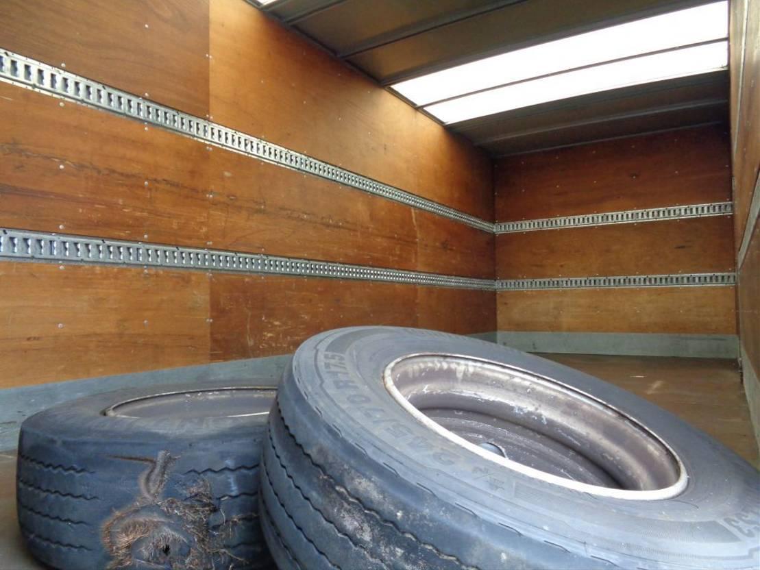 closed box truck > 7.5 t Mercedes Benz ATEGO 1222 + Euro 5 + Dhollandia Lift 2009