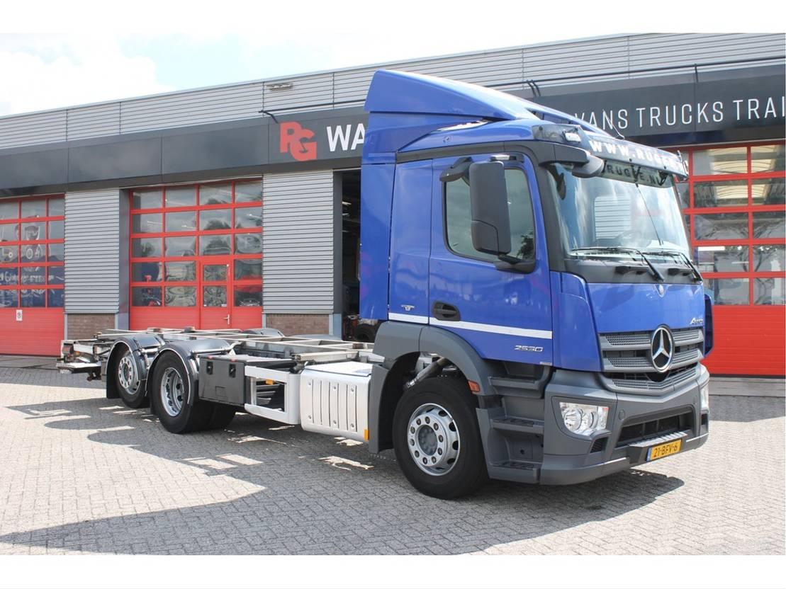 closed box truck > 7.5 t Mercedes Benz Antos 2530 L wb=430 cm + 140 cm Afzetsyteem/Bakwagen 2015