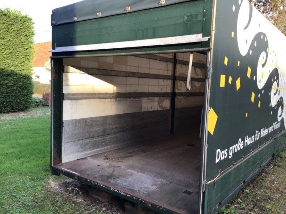 closed box truck > 7.5 t Mercedes Benz Atego