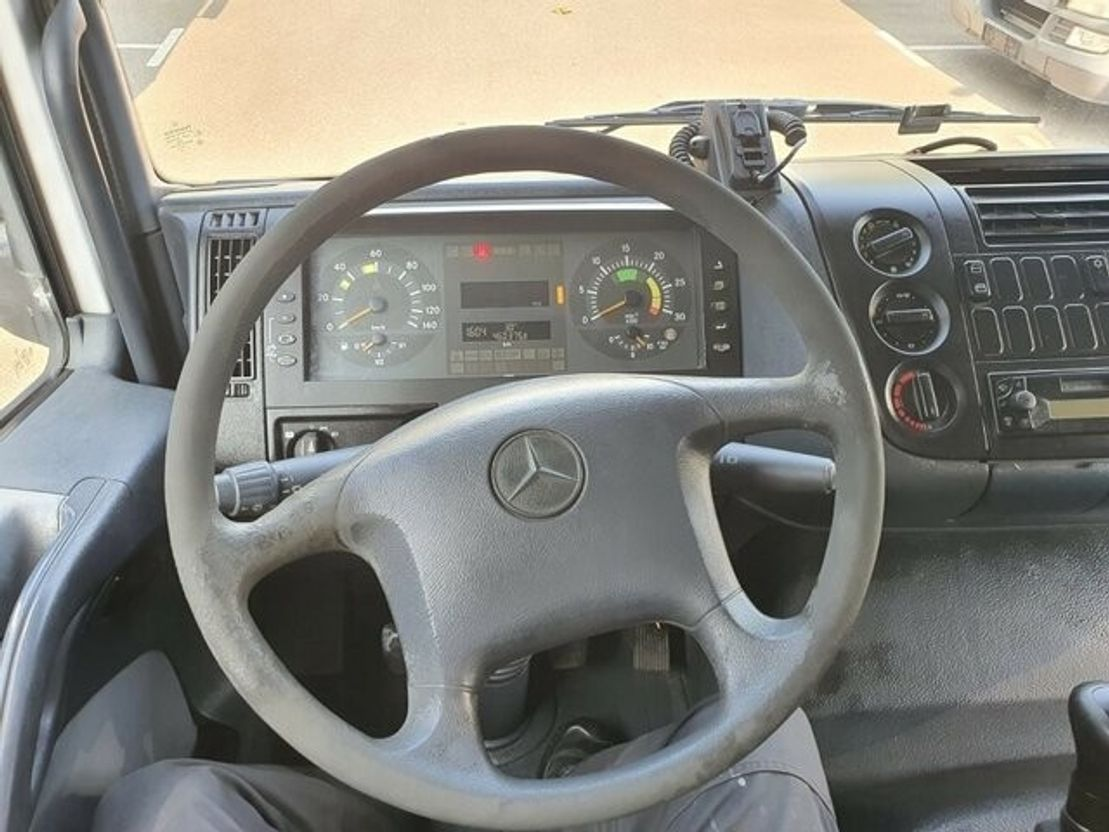 closed box truck > 7.5 t Mercedes Benz 1223 Koffer + 2-Achs Tandem Koffer 10.5 to GG 2004