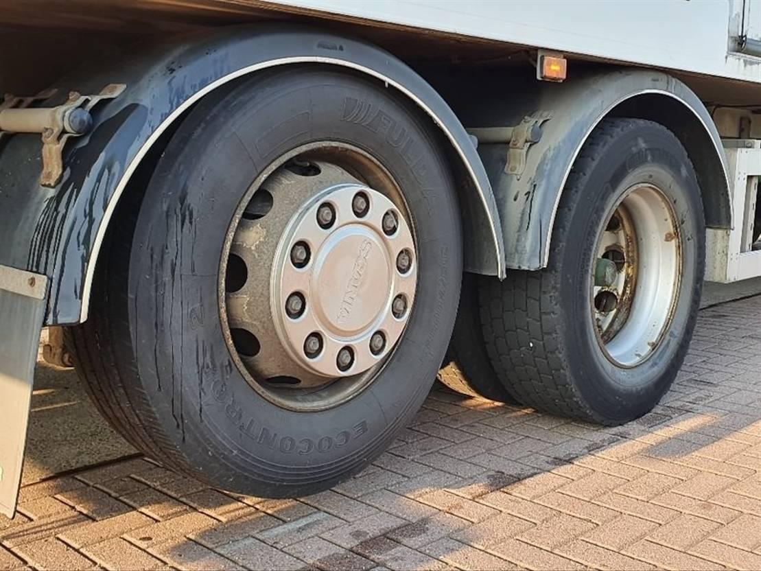 closed box truck > 7.5 t Scania P320 6x2*4 mnb lift doors 2012