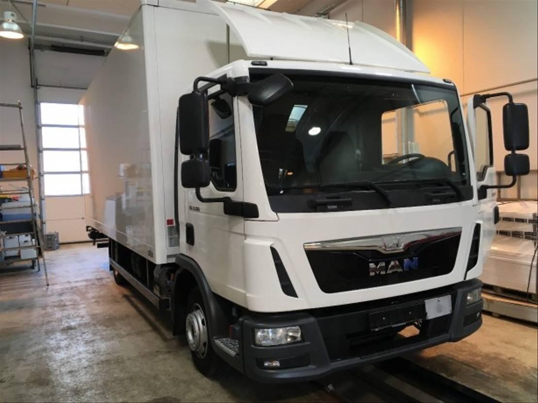 closed box truck > 7.5 t MAN MAN 8.180 TGL 8.180 TGL 2016