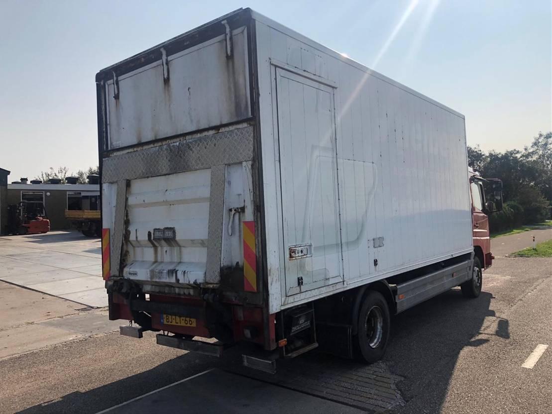 closed box truck > 7.5 t Mercedes Benz 970.03 2000