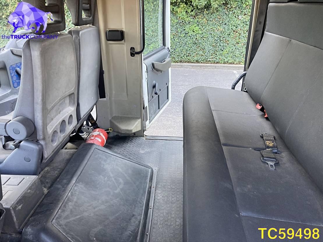 closed box truck > 7.5 t Iveco EuroCargo 80E17 Euro 2 2002
