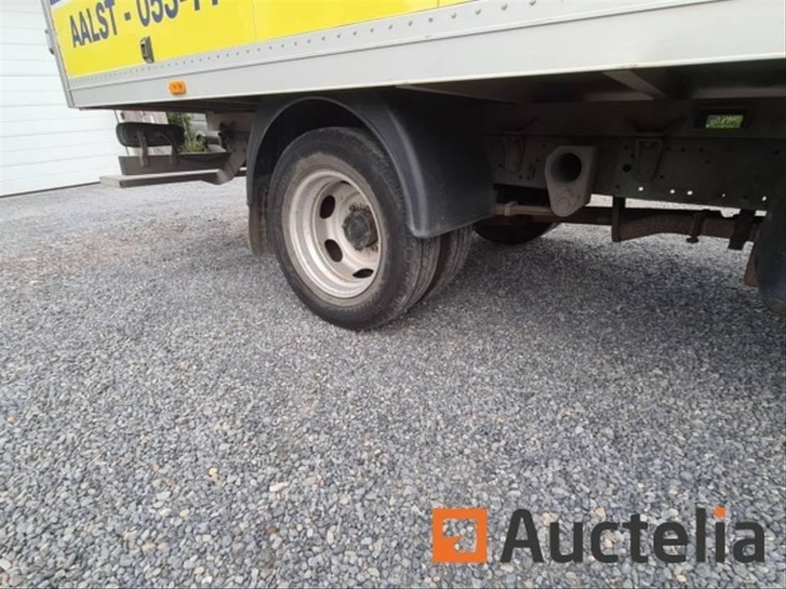 closed box truck > 7.5 t DIV. Mitsubischi Fuso Canter 2011