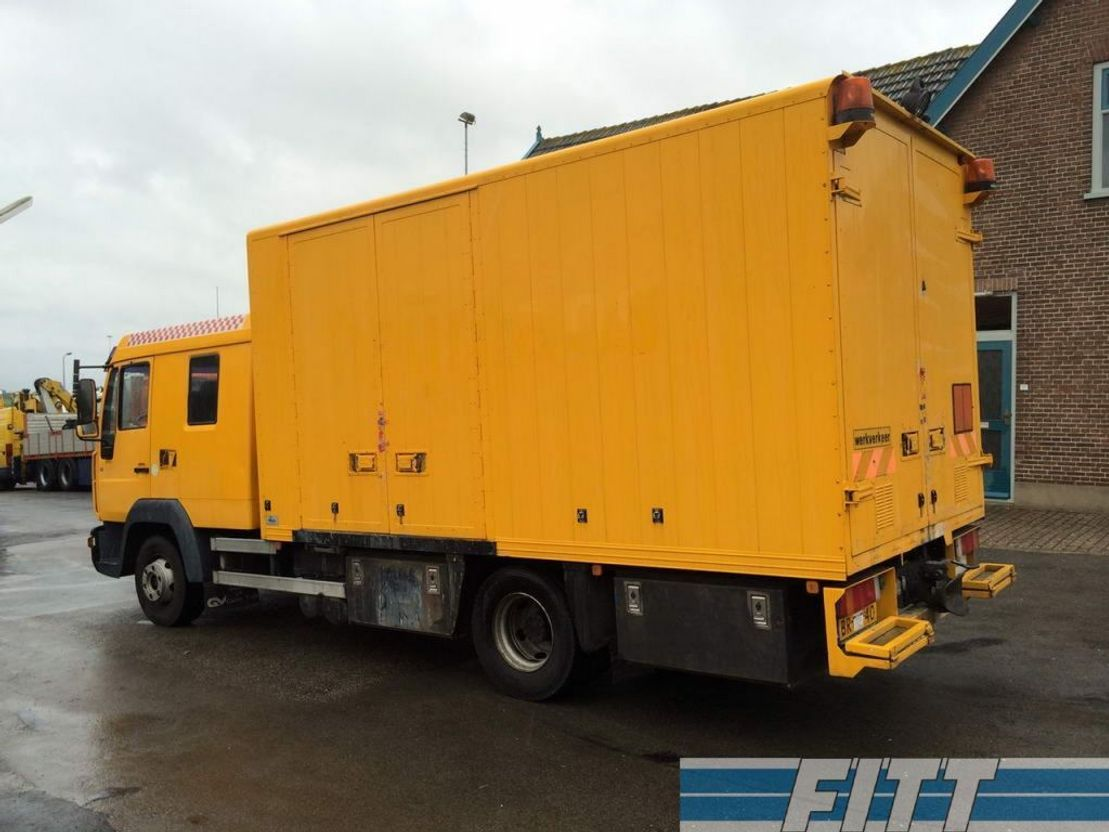 closed box truck > 7.5 t MAN LE12.220 dub.cab 2005