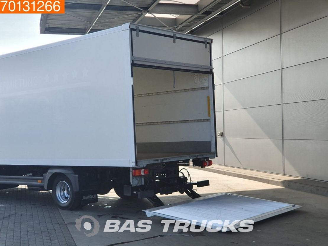 closed box truck > 7.5 t Mercedes Benz Atego 816 4X2 Manual Ladebordwand Euro 6 2016