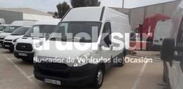 closed box lcv < 7.5 t Iveco 35 S13 2014