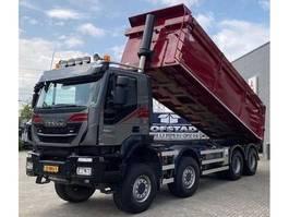 tipper truck > 7.5 t Iveco Trakker 37.450 + Euro 6 + Kipper + PTO + 8X8 + blad-blad 2016