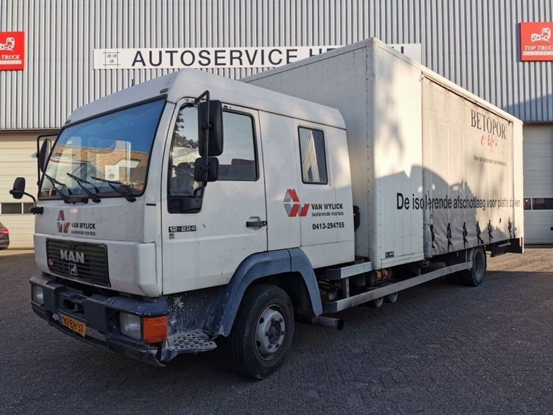 closed box truck > 7.5 t MAN 12LL DUBBELE CABINE MANUEL 2000