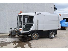 Road sweeper truck Ravo 560 STH