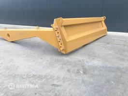 verschiedenes Anbaugerät Caterpillar 725C TAILGATE 2020