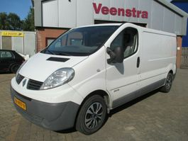 closed lcv Renault Trafic 2.0DCI Lang 115PS Netto €4950,=