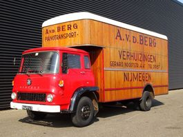 closed box truck Bedford COLLECTOR'S ITEM / OLD-TIMER / WOODEN STRUCTURE 1971