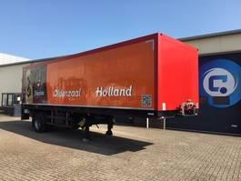 geschlossener Kasten Auflieger Schmitz Cargobull SKO 10 1-assig gestuurde cityoplegger met laadklep 2000 kg 2001