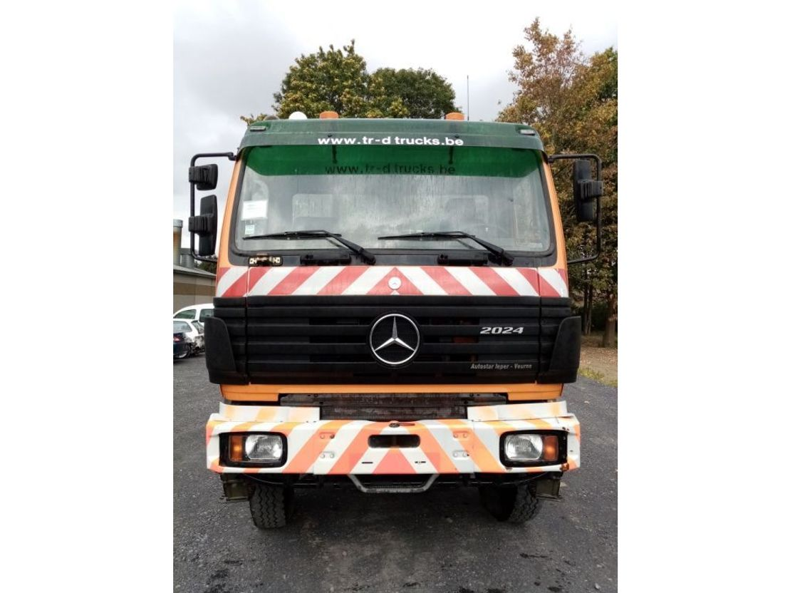 container truck Mercedes-Benz SK 2024 4x4 met HIAB Kraan en KABELSYSTEEM 1996