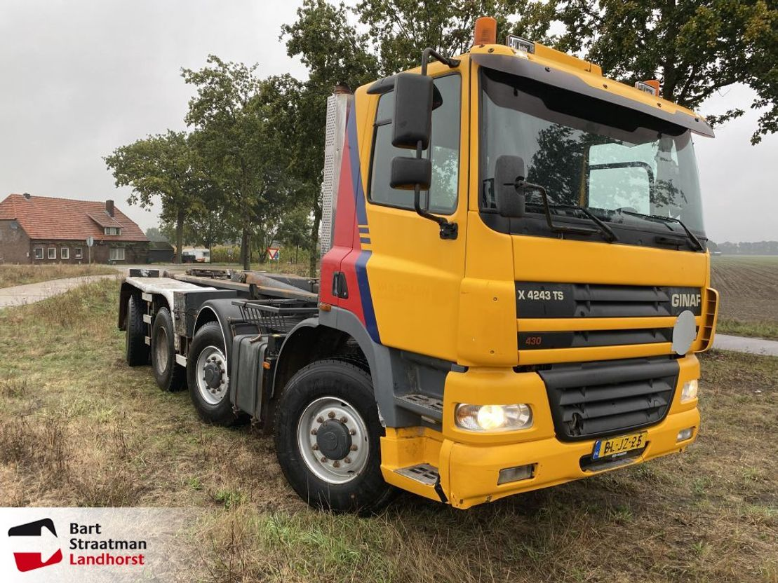 container truck Ginaf X 4243 TS 8x4 MANUAL Haakarm 2001