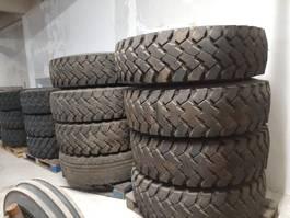 tyres truck part 13/22,5. * 14.00/R20 div. Banden met velg