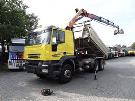 tipper truck > 7.5 t Iveco TRAKKER 260T44 Kipper mit Kran 2006