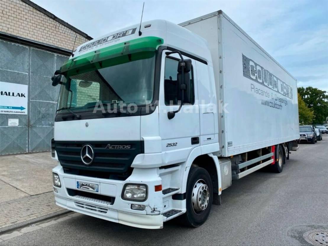 Koffer LKW > 7.5 tonnen Mercedes-Benz Actros MPII 2532 N 6x2 Spring/Air Clutch