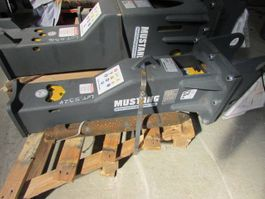 crusher and hammer attachment Mustang HM 250 Hydraulikhammer 2019