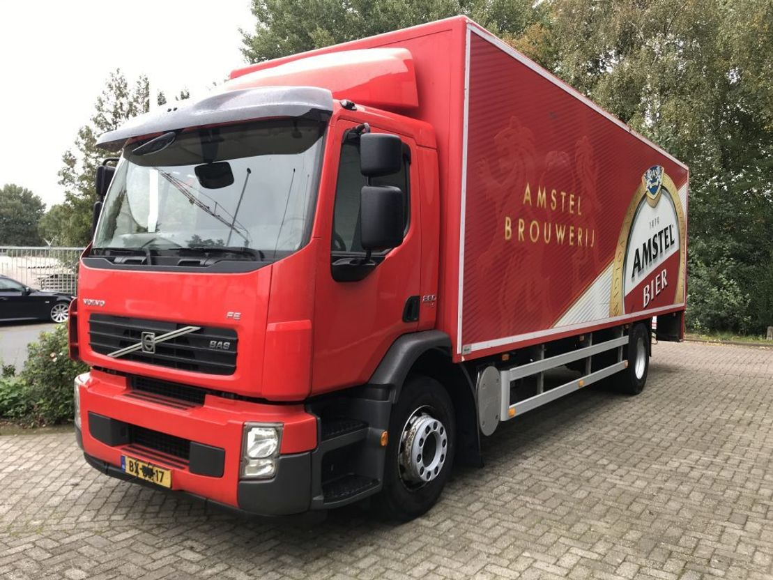 closed box truck > 7.5 t Volvo FE 280 euro 5 ,manuel , airco,19 tons, low km 2009