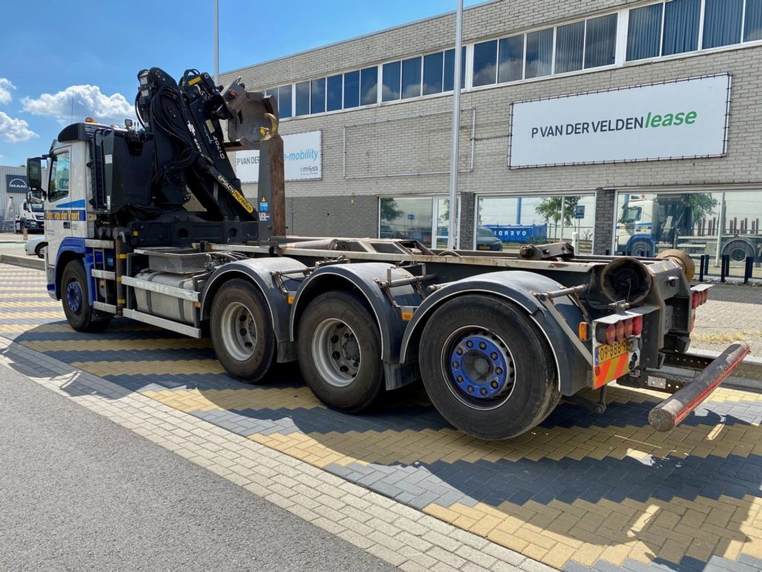 container truck Volvo FM 500 EEV 8x4 2012