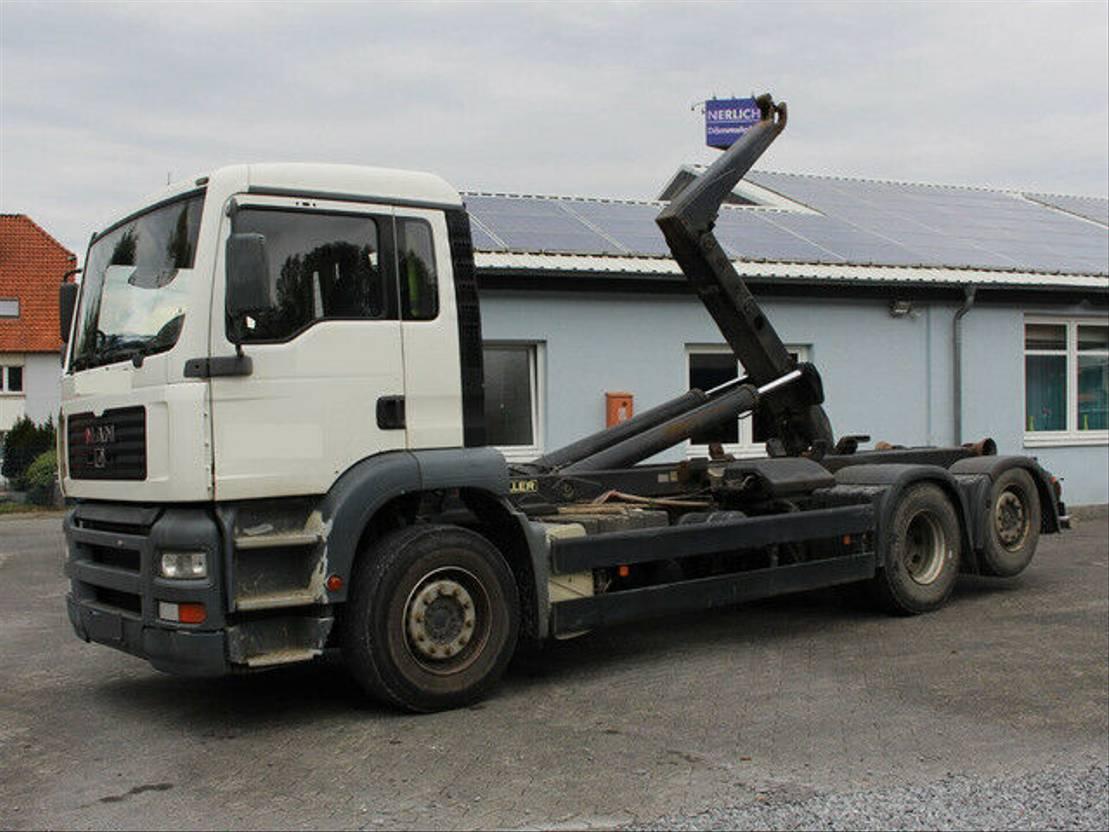 container truck MAN TGA 26.310 Abrollkipper Meiller