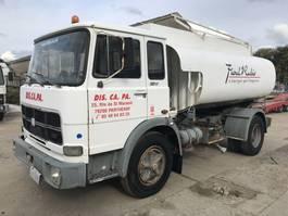 tank truck Unic 130NC **6CYL-9500Ltr TANK-SUPER CLEAN** 1977