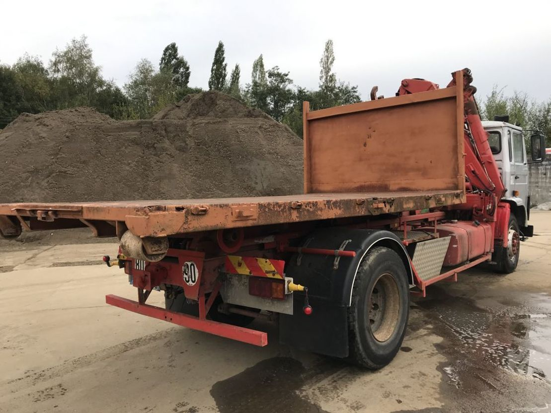 container truck Volvo F7 **19TONS-CRANE+HOOKLIFT-10BOLTS** 1983