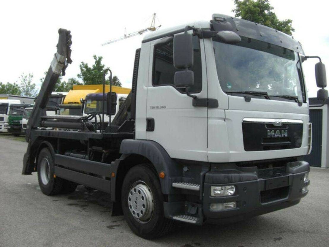 container truck MAN 18340TGM